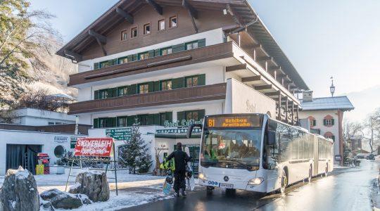 Met de bus naar de Areitbahn