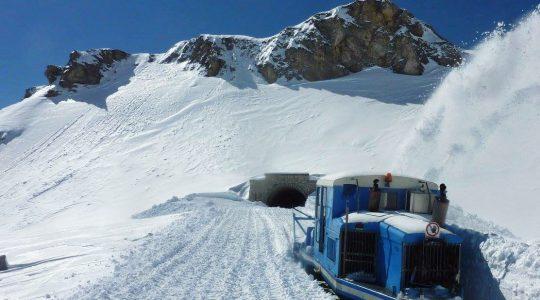 De ongelofelijke sneeuwruiming op de Grossglockner Hochalpenstrasse