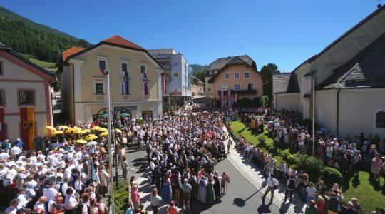 Afl. 1 – Samsonumzug & Chorfestival Feuer und Stimme in St. Michael