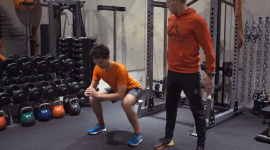 Workout Wednesday: 10 oefeningen om fit op wintersport te gaan!