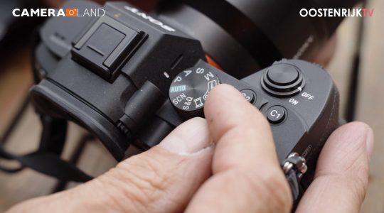 Uitleg over de ronde instelknop die op iedere camera zit